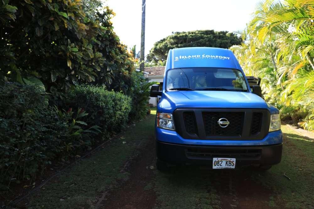 Van in Oahu